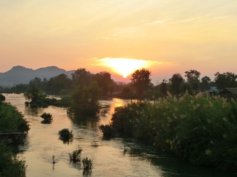 Die 4.000 Inseln in Laos - Sonnenuntergang am Mekong