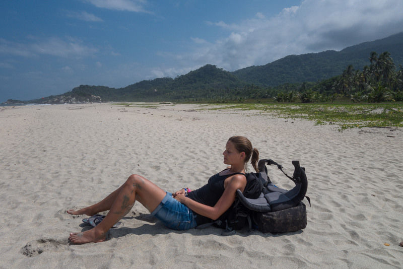 Pause am Strand Tayrona Nationalpark Karibikküste Kolumbien