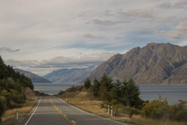 Neuseeland Campervan Reise Lake Hawea