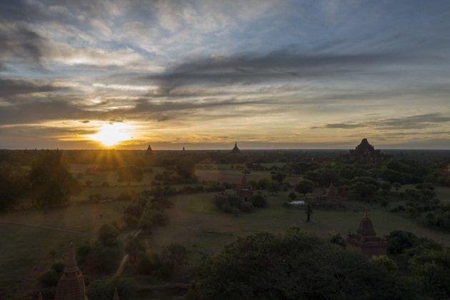 Myanmar Bagan Shwesandaw Paya Sonnenaufgang