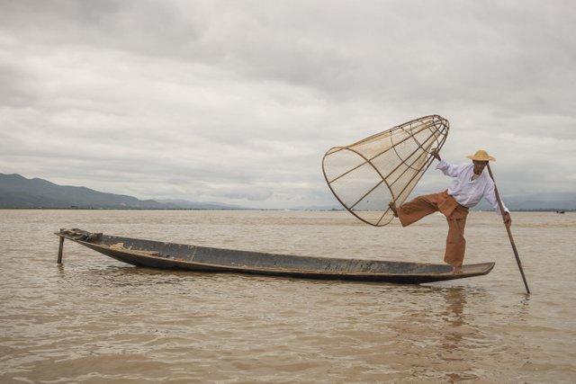 Myanmar Inle See Ein-Bein-Ruderer