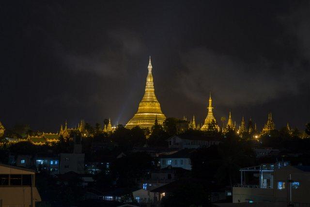 Myanmar Yangon Shwedagon Pagode Nacht