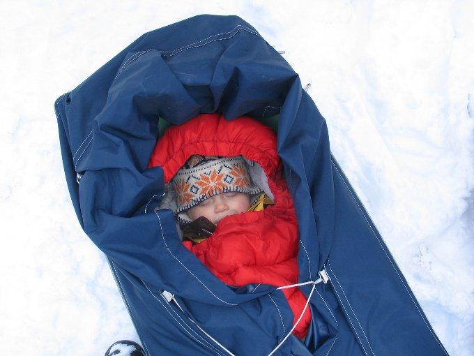 Interview Reisen mit Baby 4aufeinenstreich Pulka Schweden Winter