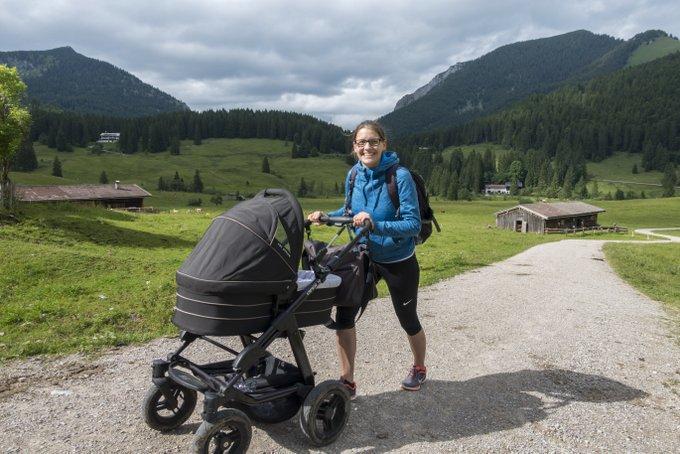 Wandern mit Baby im Kinderwagen