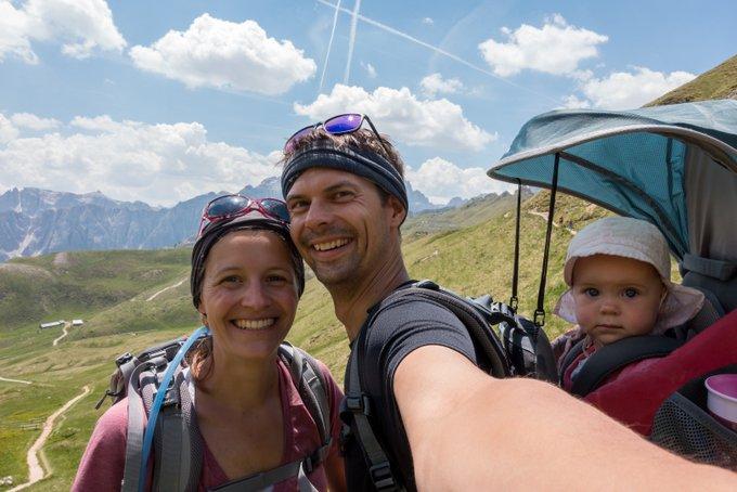 Wandern mit Baby wanderbegeisterte Eltern