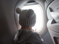 Fliegen mit Baby & Kleinkind: Handgepäck im Flugzeug