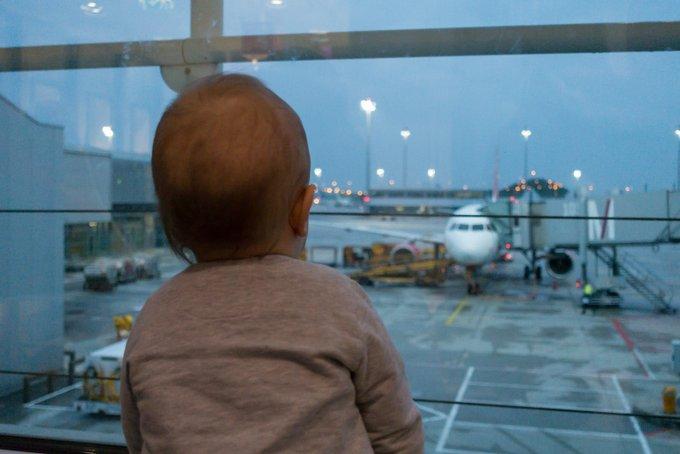 Handgepäck Packen Fliegen mit Baby und Kleinkind
