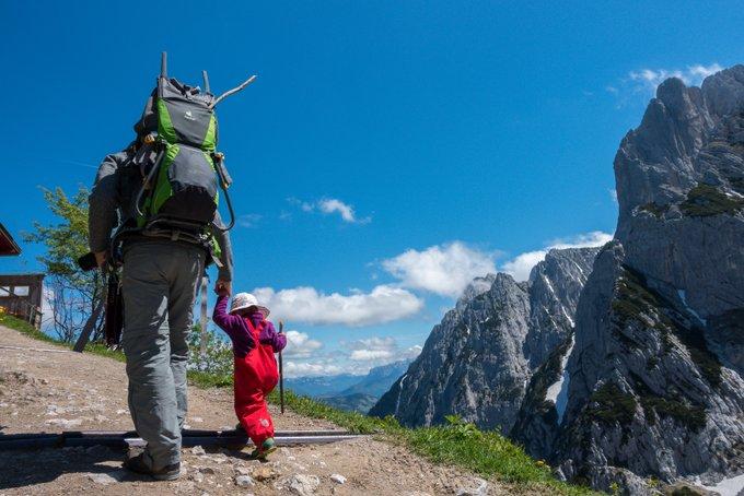 Hüttenübernachtung mit Kleinkind Tipps Wandern mit Freunden
