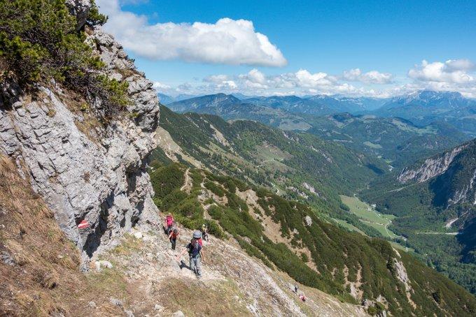 Wanderung im Kaisertal Aufstieg Stripsenkopf mit Kraxe
