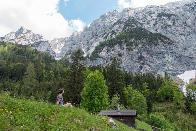 Wanderung im Kaisertal mit Kleinkind Straßwalch Jagdhütte