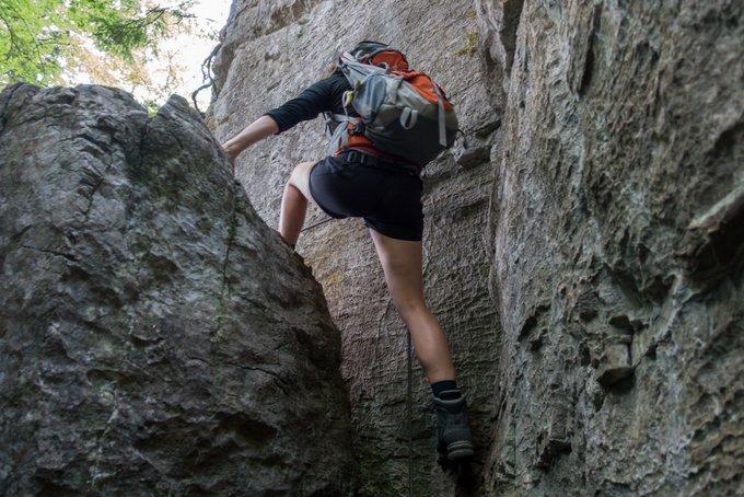 Wandern Tirol mit Kind Klettern in der Teufelsgasse