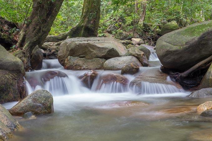 Wasserfall Langzeitbelichtung 2 Sekunden ohne Graufilter