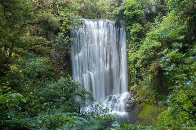 Wasserfall_ohne_Graufilter_ohne_Sonnenbrille F11 ISO100 0,4 Sekunden
