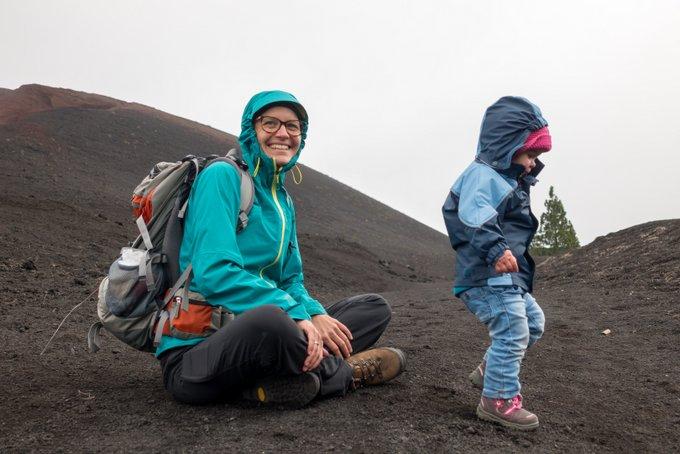 Wandern mit Kraxe und Kleinkind Richtig anziehen