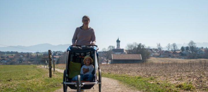 Wandern mit Kinderwagen bzw. Fahrradanhänger – Vorteile / Nachteile und die besten Tipps