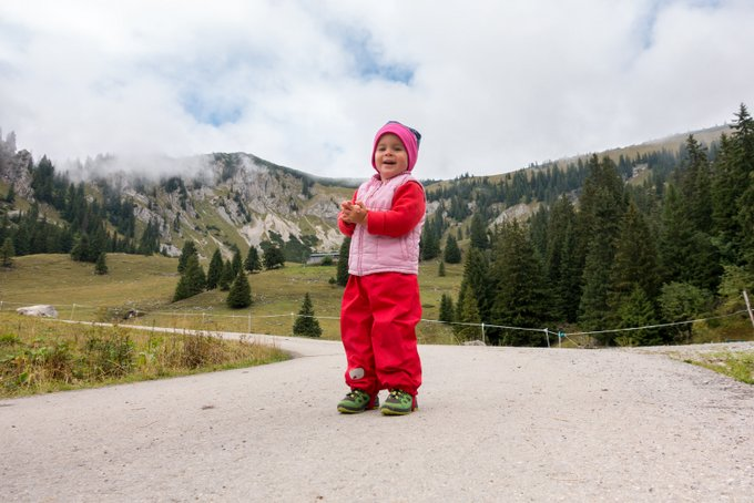 Wandern mit Kleinkind Matschhose