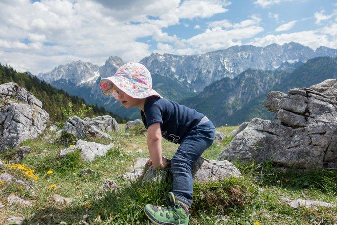 Wandern mit Kleinkind im Sommer
