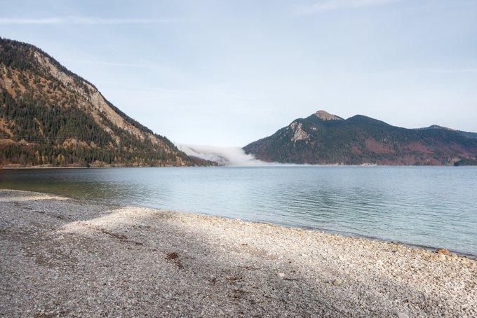 Nebel im Herbst beim Wandern Walchensee