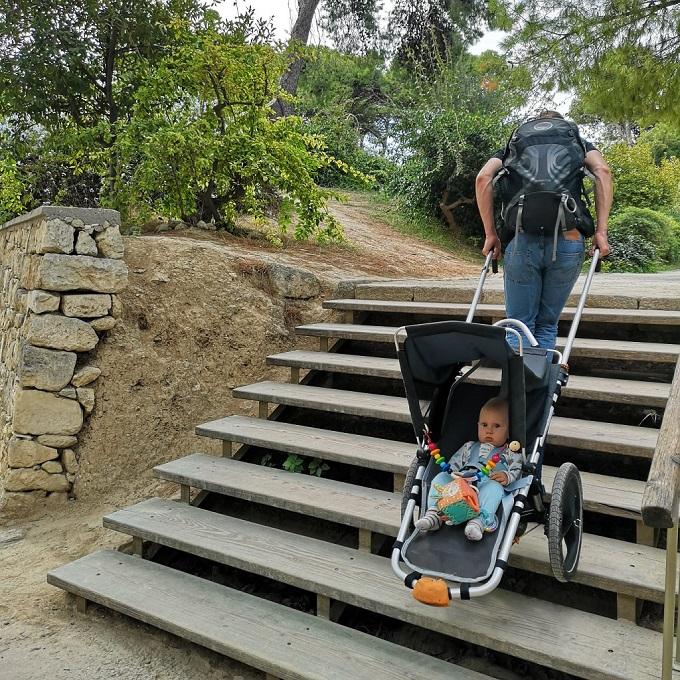 Treppen steigen mit Outdoor Kinderwagen