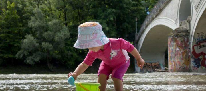 Nachhaltige UV–Schutzkleidung für Kinder. Das musst Du vor einem Kauf wissen!