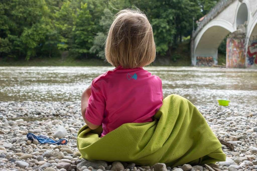 UV-Schutzkleidung für Kinder Baden an der Isar