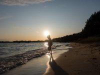 Urlaub zu Hause: 14 Ideen für Mikroabenteuer mit Kindern in der Natur