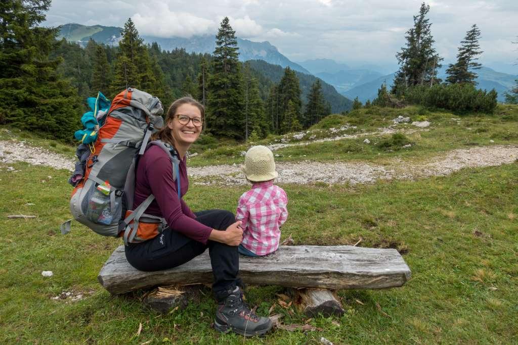 Wandern mit Kindern Hüttenübernachtung Gepäck