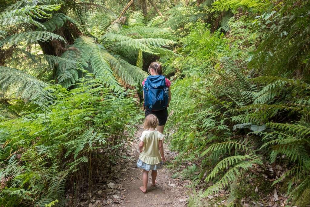 Wandern mit Kindern Barfuß wandern