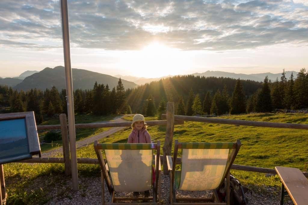 Hüttenwanderung mit Kindern Sonnenuntergang