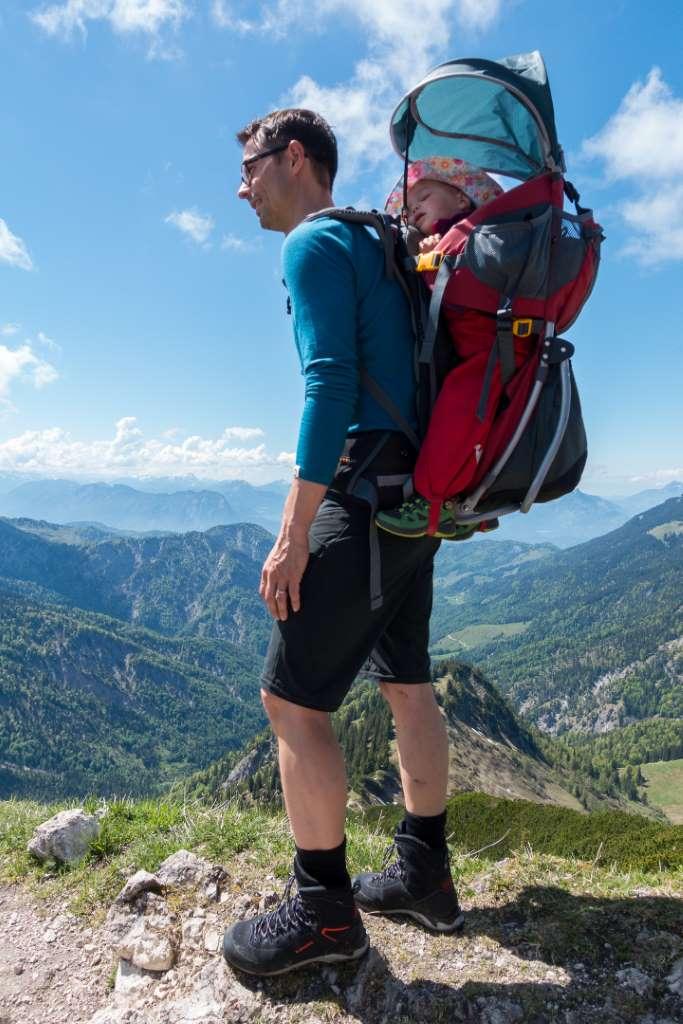 Wandern mit Kraxe und Lowa Schuhen