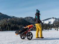 Wandern mit Kinderwagen im Winter: Outdoor-Kinderwagen Hike Kid im Einsatz