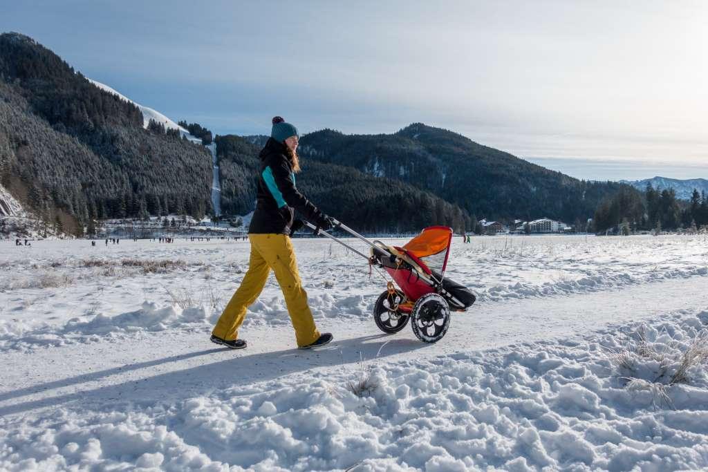 Wandern im Schnee Hike Kid