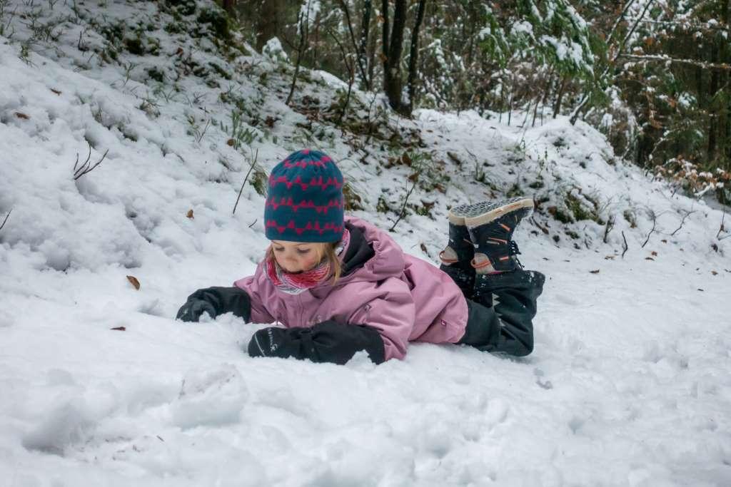 Winterwandern Schnee Kinder