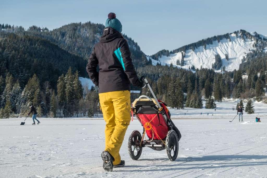 Winterwandern mit Outdoor Kinderwagen
