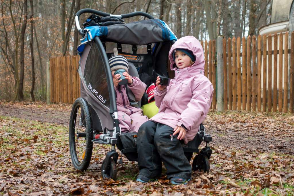 Beschäftigung Kinder Winter Fahrradanhänger
